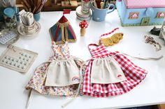 Heirloom dolls outfits Doll Sewing Patterns, Barbie Patterns, Doll Clothes Patterns, Sewing Doll Clothes, Sewing Dolls, Barbie Clothes, Tiny Dolls, Soft Dolls, Fabric Dolls