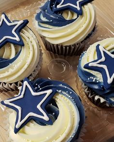 We serve deli sandwiches, desserts, and pastries in our Downtown Austin bakery cafe. We also specialize in wedding cake design and specialty cakes. Dallas Cowboys Birthday Cake, Cowboy Birthday Cakes, Dallas Cowboys Party, Cowboy Cupcakes, Football Cupcakes, Themed Cupcakes, Cupcakes Dallas, Glaze For Cake, Dad Cake