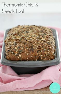 The perfect Thermomix Chia & Seeds Loaf - healthy and delicious! Thermomix Recipes Healthy, Thermomix Bread, Thermomix Desserts, Gourmet Recipes, Bread Recipes, Sweet Recipes, Vegan Recipes, Cooking Recipes, Recipes Dinner