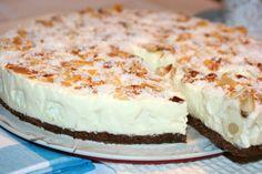 Miremirc - Tort Raffaello Romanian Desserts, Romanian Food, Cheesecakes, Yummy Cakes, Vanilla Cake, Biscuit, Sweet Treats, Dessert Recipes, Food And Drink