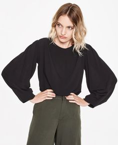 SOFIA Loose Tapered Blouse. Sitting Pretty. Women's fashion online store. Autumn Winter 2018 Collection. Free shipping for orders over R500.