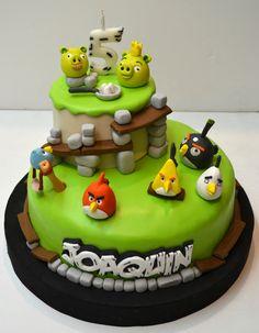 "Képtalálat a következőre: ""angry birds torták"" Torta Angry Birds, Cumpleaños Angry Birds, Angry Birds Birthday Cake, Bird Cakes, Themed Cupcakes, Cake Tutorial, Rice Krispies, Eat Cake, Cake Decorating"