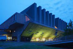 TU Delft gebouw 20 (Van den Broek en Bakema, 1966), juni 2016