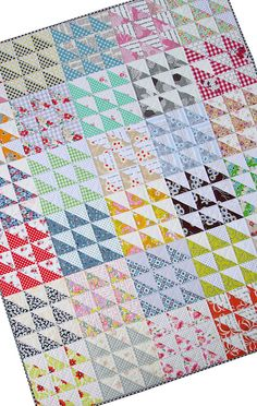 Retro Half Square Triangle (HST) Quilt and New Quilt Pattern by Rita at Red Pepper Quilts. I think this might be Hunter's new quilt! Scrappy Quilts, Easy Quilts, Mini Quilts, Quilting Tips, Quilting Projects, Quilting Designs, Modern Quilting, Quilt Design, Quilt Block Patterns