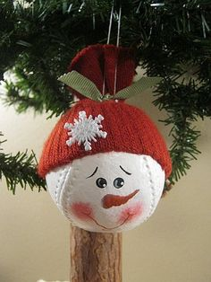 Baseball Ornament - cute.  I think I could do these.  :-)