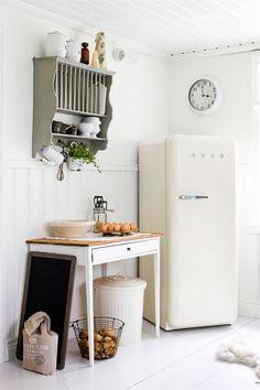 Kitchen, fridge, patine, vintage