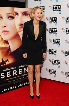 Jennifer Lawrence attends the premiere for 'Serena' on October 13, 2014. She is really cute with her current hairstyle!