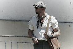 O charmê retrô italiano não ficaria de fora do street style da Pitti Uomo. b7b9f70a2f0