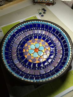 Mosaic Tile Designs, Stained Glass Designs, Stained Glass Projects, Mosaic Patterns, Mosaic Garden Art, Mosaic Art, Mosaic Tiles, Tile Crafts, Mosaic Crafts