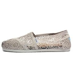 Toms Women's Classics Silver Morocco Crochet Silver Morocco Casual Shoe 8 Women US An elastic V for easy on an off Open floral wave Beach Wedding Bridesmaids, Beach Wedding Shoes, Diy Wedding Reception, Bridesmaid Shoes, Wedding Ideas, Wedding Colors, Wedding Stuff, Wedding Planning, Wedding Inspiration