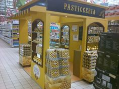 Ferrero pastery shops. #tradeshow #booth #IAEE_HQ