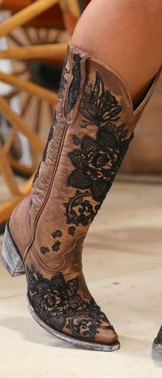 Cowgirl Chic, Cowgirl Style, Cowgirl Boots, Western Boots, Cow Girl, Indian Boots, Wedding Boots, Dress With Boots, Western Outfits