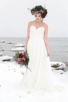 Winter wedding inspiration: http://www.stylemepretty.com/montana-weddings/2014/03/17/winter-wedding-inspiration-in-lakeside-montana/ | Photography: Hope Kauffman - http://hopekauffman.wix.com/