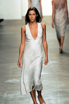 Calvin Klein | Spring 2000 Ready-to-Wear | 47 White striped sleeveless midi dress with V-neck