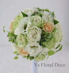 白グリーンに挿し色のラウンドブーケ ys floral deco @ヨコハマグランドインターコンチ