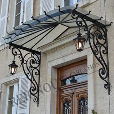Newest Cost-Free Wrought Iron awning Strategies Dwelling designing by using wrought iron is really as strong today as being the wrought iron metallic itself. Gate Design, Door Design, Exterior Design, House Design, Iron Gates, Iron Doors, Eisen Pergola, Wrought Iron Decor, Door Canopy