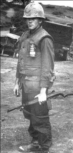 Virtual Vietnam Veterans Wall of Faces | CALVIN A MCGINTY JR | MARINE CORPS