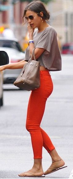 #street #fashion casual Colored Jeans + Grey T @wachabuy