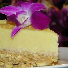 No Bake Lemon Cheesecake, photo by (Baking Sweet Lemon Cheesecake) Lemon Cheesecake Recipes, Lemon Dessert Recipes, No Bake Desserts, Easy Desserts, Sweet Recipes, Light Cheesecake, No Bake Cheesecake, Summer Cheesecake, Fluffy Cheesecake