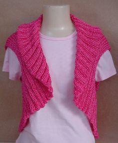 Material: 1 Bella e 1 Rayza Vest (usar 1 fio de cada) ou 3 Pingouin 1000 e 1 Rayza Vest (usar 3 fios de P1000 e 1 de Rayza) Agulha de tricô...