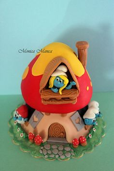 Smurfs house cake Looking for Smurfs gifts? http://foudak.com/smurfs/