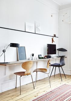 home office ideas to brighten up your work from home! home office ideas to brighten up your work from home! Wood Chair Design, Pinterest Home, Built In Bookcase, Retro Home Decor, Home Office Design, Office Interiors, Interiores Design, Architecture, Decoration