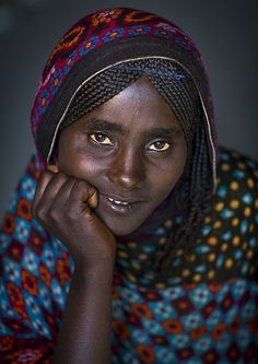 Afar tribe woman Ethiopia by Eric Lafforgue Eric Lafforgue, African Tribes, African Women, We Are The World, People Around The World, African American Clothing, African Beauty, Interesting Faces, People Photography