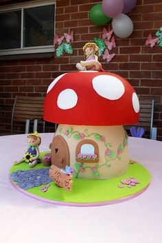 Toadstool Cake Fairy Birthday Cake, Birthday Cake Girls, Woodland Fairy Cake, Toadstool Cake, Fairy Tea Parties, House Cake, Fairy Cakes, Novelty Cakes, Cute Cakes