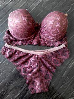 #lingerielinda #lingeriesensual #lingerieconfortavel #lingerieelegante #modaintima #calcinha #sutiã #sutian