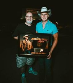 """Jon Pardi's breakthrough year continues with his first-ever RIAA gold-certified album, """"California Sunrise"""". Jon Pardi, Sunrise, Captain Hat, California, Album, Gold, Fashion, Moda, Fashion Styles"""