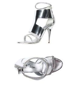 NEED these Soft leather round toe sandals from @david @Pierre Balmain