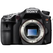 Sony α (alpha) Digital SLR. World's fastest shooting DSLR. Get action photos HD Movies and Live View shots that other cameras miss thanks to Sony's exclusive Translucent Mirror Technol. Sony Digital Camera, Sony Camera, Digital Slr, Best Camera, Perfect Camera, Canon Digital, Mini System, Camera Aesthetic, Tecnologia