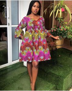 Latest Aso Ebi Styles For The Weekend Are you a weekend party freak and looking for the perfect aso ebi styles and aso ebi wears to r. Short African Dresses, Latest African Fashion Dresses, African Print Dresses, African Print Fashion, Short Gowns, Ankara Gown Styles, Ankara Gowns, African Traditional Dresses, African Attire