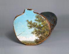 L'artiste hawaiienne Alison Moritsugu peint des paysages idylliques sur des troncs d'arbres.