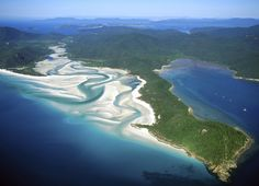 queensland scenes Whitehaven beach in the Whitsunday island group. Whitehaven Beach Australia, Queensland Australia, Australia 2017, Visit Australia, Sun Holidays, Mysterious Places, Travel Images, Australia Travel, Cool Places To Visit