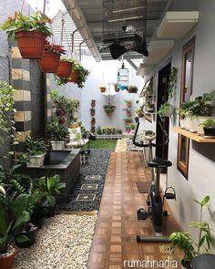 90 Awesome Spring Garden Ideas for Front Yard and Backyard Landscaping Home Room Design, Garden Design, Balcony Decor, Minimalist Garden, Backyard Design, Outdoor Living, House Exterior, Home Exterior Makeover, Interior Garden