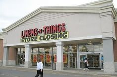 Do You Remember These Long Gone '00s Retail Stores