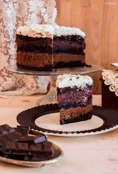 Tort maliny w czekoladzie. - Taste Your Life Chocolate Raspberry Cake, Chocolate Mousse Cake, Death By Chocolate, Chocolate Heaven, Flourless Cake, Cake Fillings, Special Recipes, Something Sweet, Raspberries