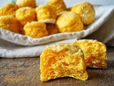 Sütőtökös pogácsa Brie, Cornbread, Easy Meals, Food And Drink, Low Carb, Snacks, Ethnic Recipes, Millet Bread, Appetizers