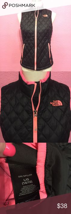 Girls Black Northface vest Girls Black Northface vest The North Face Jackets & Coats Vests
