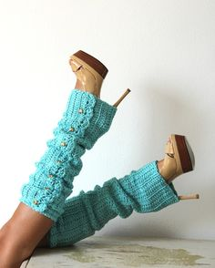 """cool look...I think these can be made from re-purposed sweater sleeves then sew buttons on them. I say a toutorial somewhere, I pinned it under to """"Inspiration for projects' board."""""""