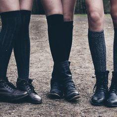 oxford boots with knee socks.preppy east coast anyone? Mathilda Lando, Gallagher Girls, Grunge, Look Man, Prep School, School Daze, High School, Lily Evans, Spring Awakening