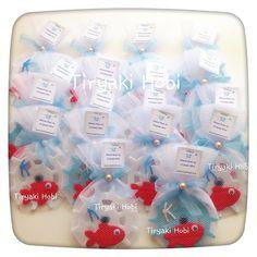 ♥ Tiryaki Hobi ♥: Keçe bebek şekeri / doğumgünü magneti - Dümen (Hikmet Kaan)