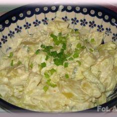 Klasyczna niemiecka sałatka ziemniaczana