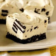 Who doesn't love Oreo cookies? Oreos and cheesecake are a match made in heaven. My favorite cheesecake recipe has an Oreo cookie crus...