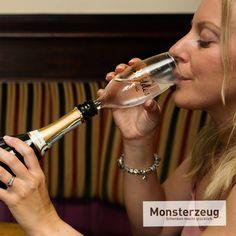 Geschenkidee Babyzubeh/ör Preis am Stiel/® Scherzartikel Ausgefallene Idee Geschenk f/ür junge Familien Baby Flasche Gentleman Sektglas