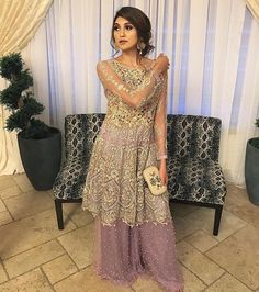 Image may contain: 1 person Pakistani Outfits, Indian Outfits, Pakistani Clothing, Ethnic Fashion, Asian Fashion, Beautiful Dresses, Nice Dresses, Pakistan Street Style, Desi Clothes
