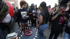 Texas police fire cop who killed black student Taylor - DEUTSCHE WELLE #Texas, #US