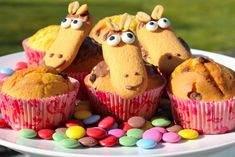 Today we have a great muffin idea for the kids birthday. We baked delicious horse muffins and show you today … Source by Muffin Recipes, Cake Recipes, Party Buffet, Cupcakes, Kids Meals, Baked Goods, Bakery, Food And Drink, Tasty