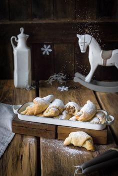 Svatomartinské ořechové rohlíčky | Koření od Antonína Korn, Sweet Recipes, Bread, Brot, Baking, Breads, Buns